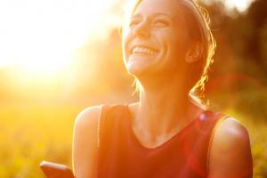 O sentimento de felicidade contribui com a saúde?